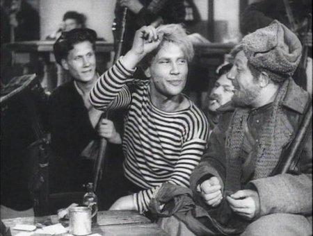 Песни советских кинофильмов. Тучи над городом встали - текст, аккорды на гитаре, видеоразбор