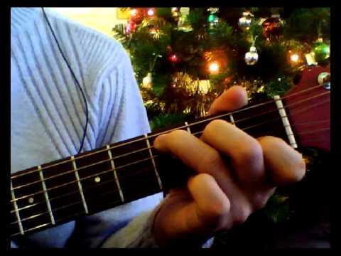 Новогодние песни под гитару, тексты, аккорды
