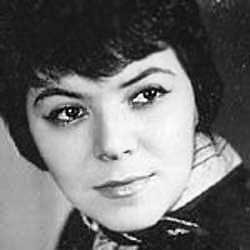 Мая Кристалинская - тексты песен, аккорды на гитаре, видеоразбор